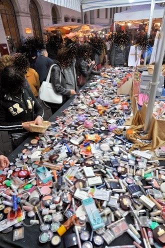 Cosmetici delle bancarelle, dannosi o non?
