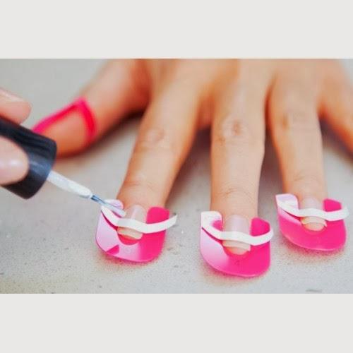 CREANAILS le unghie sempre perfette  CREANAILS le unghie sempre perfette  CREANAILS le unghie sempre perfette  CREANAILS le unghie sempre perfette