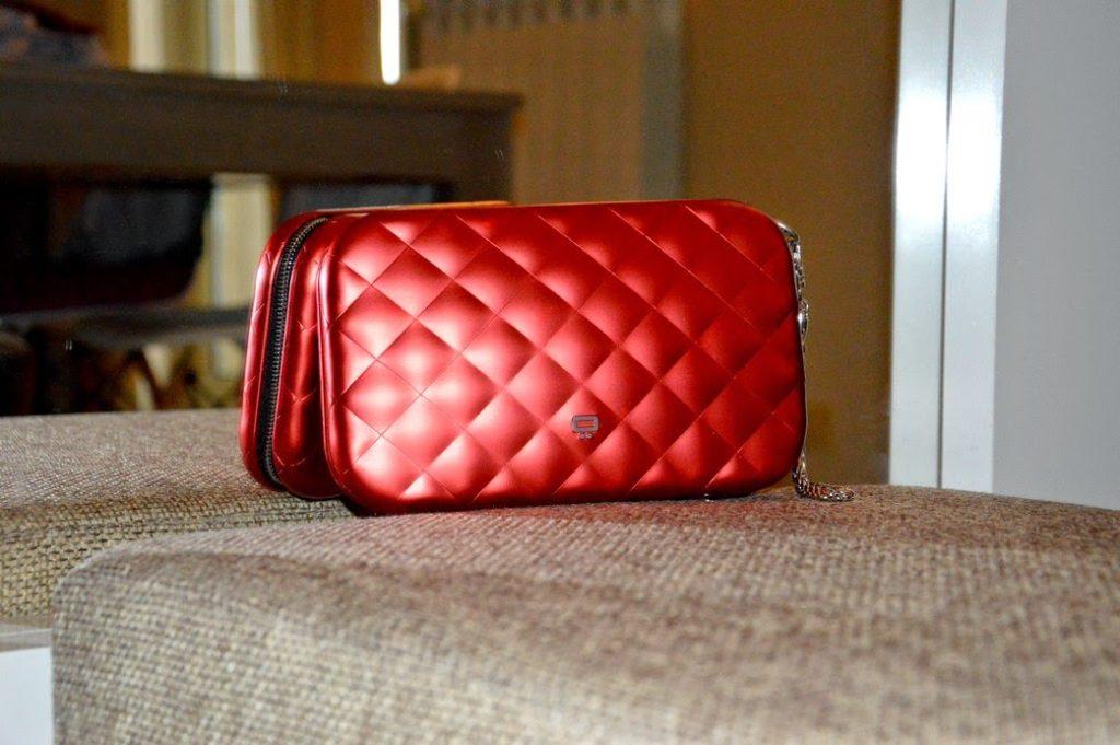Girls love bags, le ragazze amano le borse