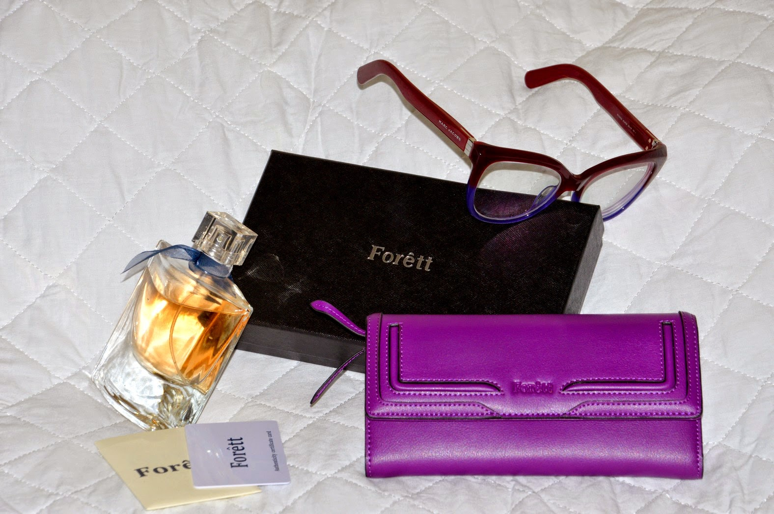 The Spring is here, my new violet wallet from FORETT, Primavera nei toni viola con il mio nuovo portafogli FORETT