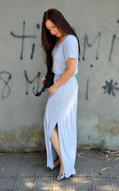 Long, grey-melange dress outfit