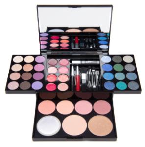 GIVEAWAY make up sulla mia pagina Facebook - QUO TREASURE BOX in palio