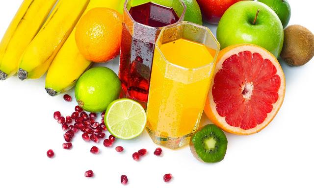 Sane e fit con i succhi di frutta fatti a casa  Sane e fit con i succhi di frutta fatti a casa