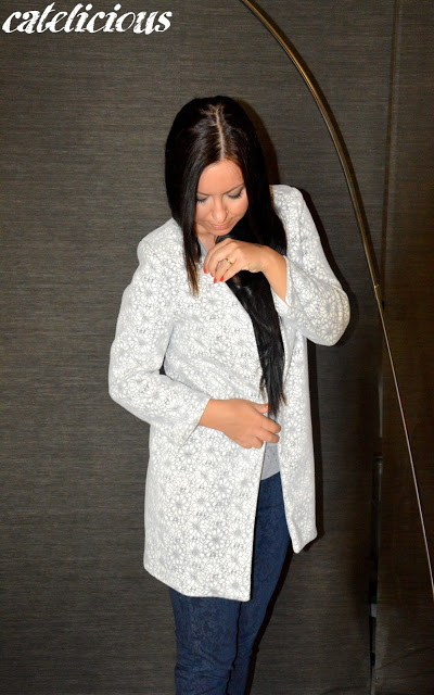 White floral coat Goa Goa - Made with love  White floral coat Goa Goa - Made with love  White floral coat Goa Goa - Made with love